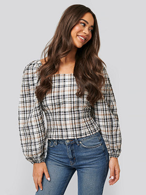 NA-KD Trend Cinched Waist Puff Sleeve Blouse brun