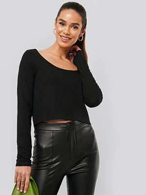 NA-KD Basic Ribbed Long Sleeve Cropped Top svart
