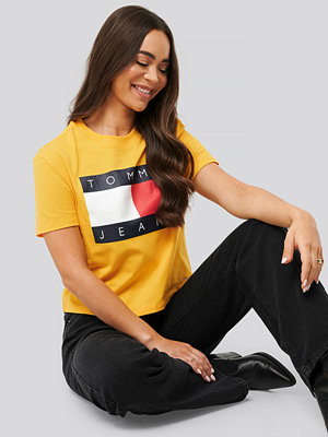 Tommy Jeans Tommy Flag Tee gul
