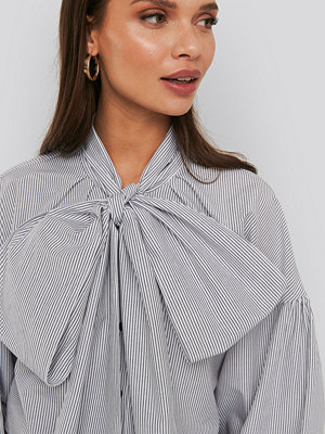 Blusar - NA-KD Trend Puff Sleeve Pussy Bow Shirt multicolor