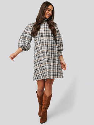 NA-KD Trend High Neck Puff Sleeve Check Dress multicolor