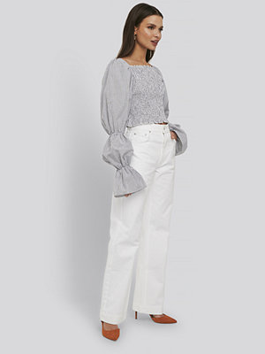 NA-KD Trend Mid Rise Straight Leg Jeans vit