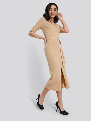NA-KD Belted Ribbed Knitted Midi Dress beige