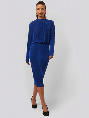NA-KD Gathered Waist Knit Dress blå