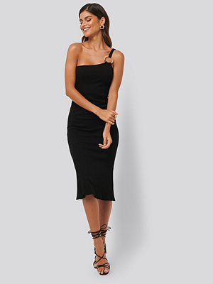 NA-KD Trend Ribbed One Shoulder Dress svart