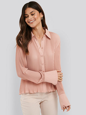 NA-KD Classic Pleated Sheer Blouse rosa