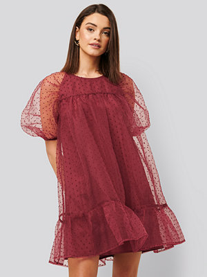 NA-KD Boho Dobby Organza Mini Dress burgundy
