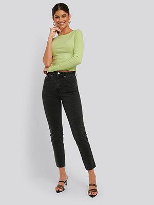 NA-KD Mom-Jeans grå