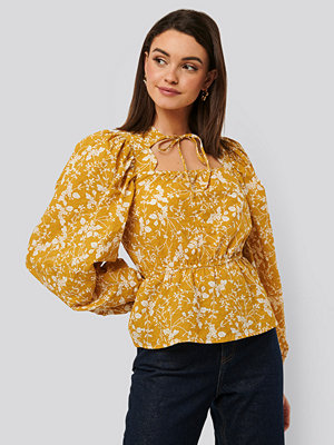NA-KD Boho Scalloped Neckline Blouse multicolor