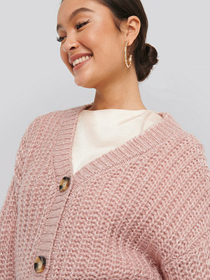 NA-KD Big Button Short Cardigan rosa