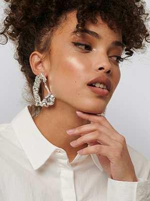 NA-KD Accessories smycke Big Smashed Earrings silver