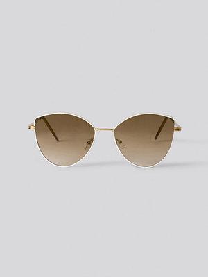 NA-KD Accessories Solglasögon vit guld