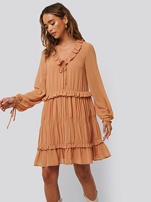 NA-KD Boho Multi Frill Flowy Mini Dress röd