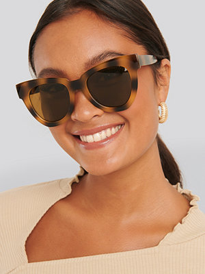 Solglasögon - NA-KD Accessories Oversize Chunky Cateye Sunglasses brun