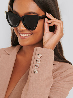 NA-KD Accessories Oversize Chunky Cateye Sunglasses svart