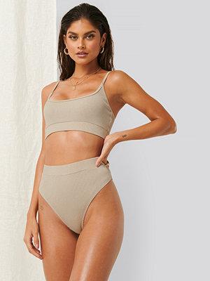 Bikini - Erica Kvam x NA-KD Bikiniunderdel beige