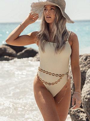 Erica Kvam x NA-KD Baddräkt beige