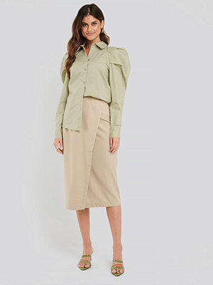 NA-KD Classic Tailored Overlap Midi Skirt beige