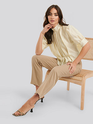NA-KD Trend Structured Organza Gathered Blouse beige