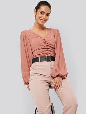 NA-KD Trend Draped V Front Neck Blouse rosa