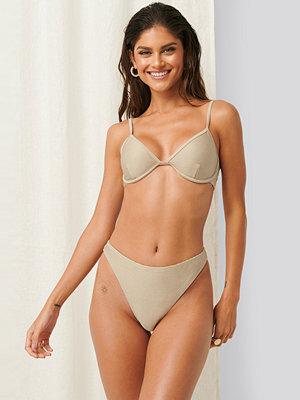 Erica Kvam x NA-KD Bikiniunderdel beige