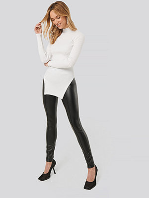 NA-KD svarta byxor Seam Detail Shiny Leggings svart