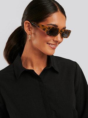Solglasögon - NA-KD Accessories Wide Retro Look Sunglasses brun