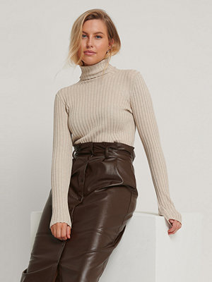 Tröjor - NA-KD Ribbed Detail Knitted Polo Sweater beige