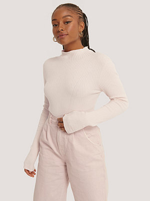 NA-KD Trend Ribbed Polo Neck Sweater rosa
