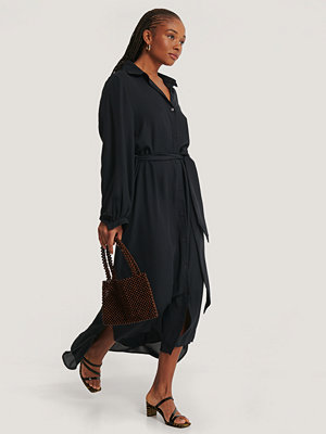 NA-KD Classic Maxi Belted Dress svart
