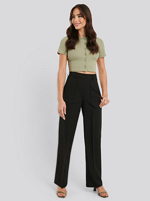 NA-KD Trend svarta byxor Quilted Pocket Suit Pants svart