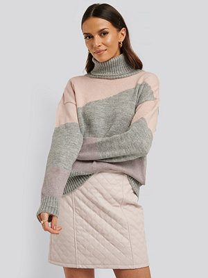 Tröjor - NA-KD Split Colour Chunky Polo Sweater grå