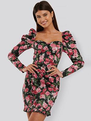 Trendyol Miniklänning Med Volangdetalj rosa