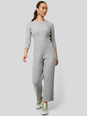 NA-KD ljusgrå byxor Ribbed Knitted Culottes grå