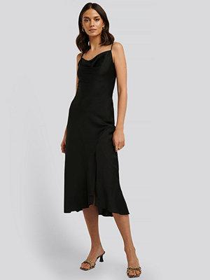 Festklänningar - Trendyol Thin Strap Midi Dress svart