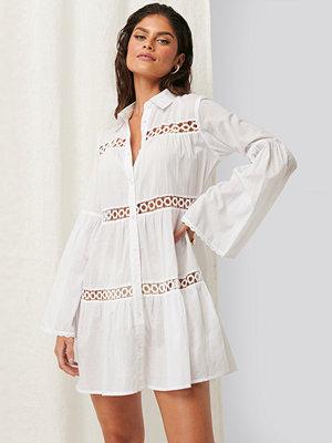 Erica Kvam x NA-KD Miniskjortklänning vit