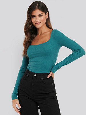 NA-KD Basic Deep Round Neck Ribbed Top grön