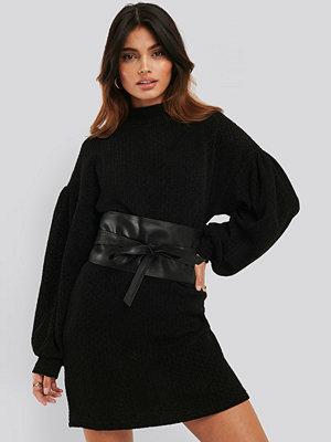 Mango Ribbad Miniklänning svart