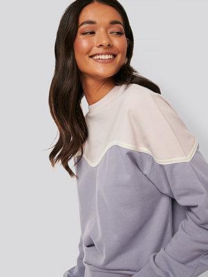 NA-KD Sweatshirt lila