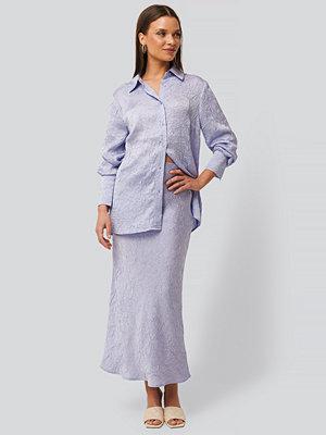 NA-KD Classic Satin Wrinkle Skirt lila