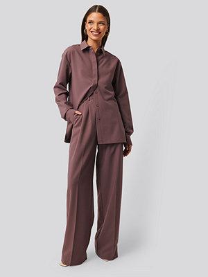NA-KD Classic Kostymbyxor Med Struktur lila omönstrade