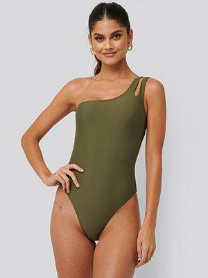 NA-KD Swimwear Baddräkt Med En Axel grön