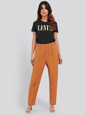 NA-KD Elastic Waist Seamline Pants orange byxor