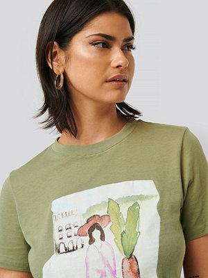 NA-KD T-Shirt grön
