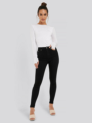 Jeans - NA-KD Smala Denimjeans svart