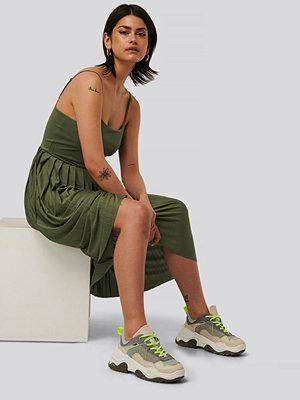 NA-KD Midiklänning grön