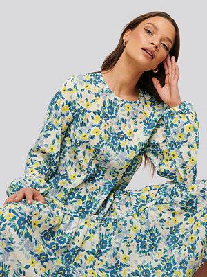NA-KD Trend Midiklänning I Chiffong multicolor