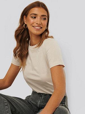 NA-KD Basic Bas-T-Shirt beige