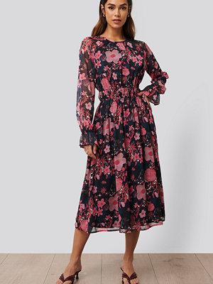 NA-KD Trend Långärmad Midiklänning multicolor
