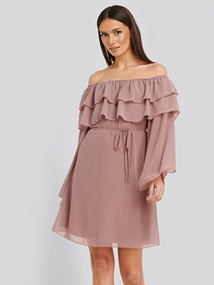 Trendyol Tulum Ruffle Detail Dress rosa